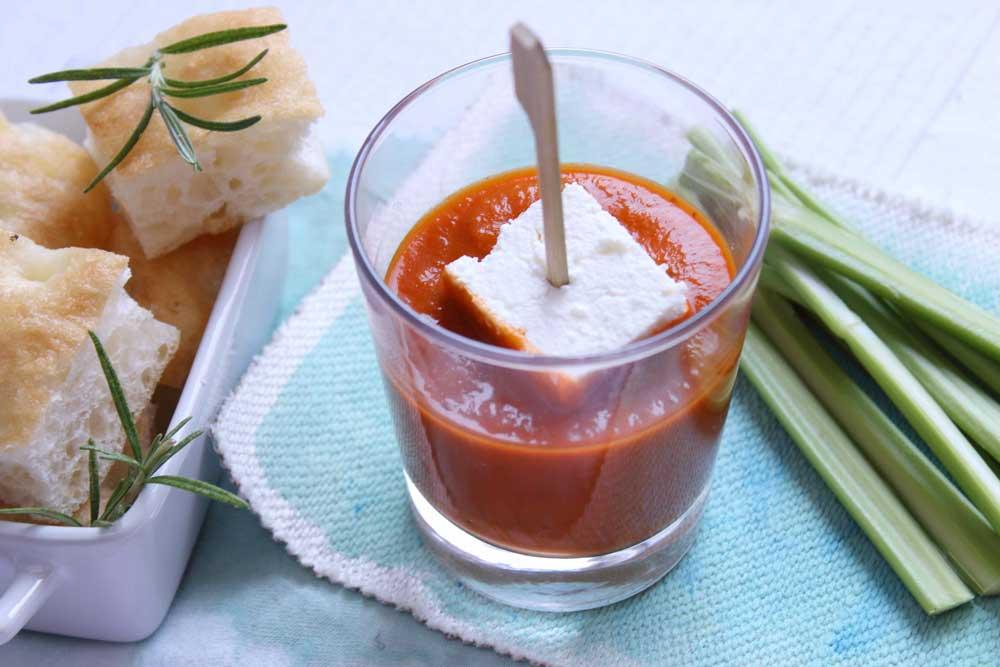 Aperitivo-con-cubotto-di-formaggio-e-salsina-agro-dolce-3